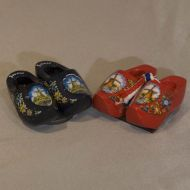 Magnet 2 Wooden Shoes Red Mill